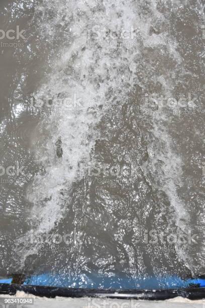 Rura Wodna W Strumieniu - zdjęcia stockowe i więcej obrazów Abstrakcja