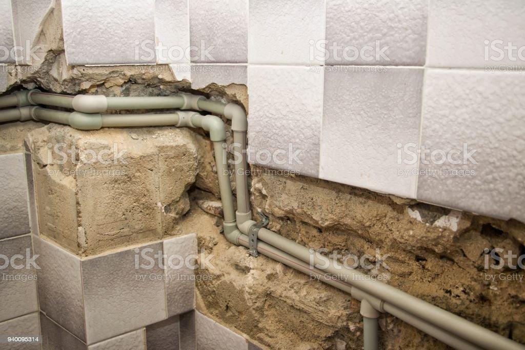 Installation Der Wasserleitung Im Bad Stock-Fotografie und mehr ...