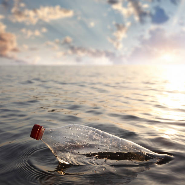 water plastic pollution - ocean plastic stock pictures, royalty-free photos & images