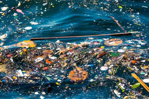 water pollution - ocean plastic foto e immagini stock