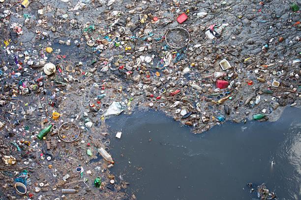 Water pollution picture id464077429?b=1&k=6&m=464077429&s=612x612&w=0&h=uepuszcfpoimt7 dlt7qknynrmzc1d898trpbecmpkq=