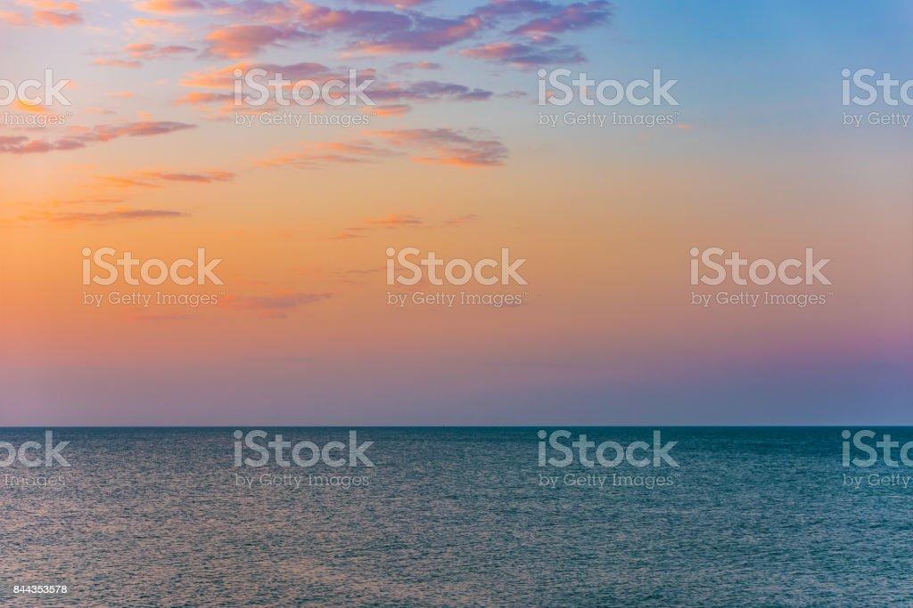 Wasseroberfläche im Meer bei Sonnenuntergang – Foto