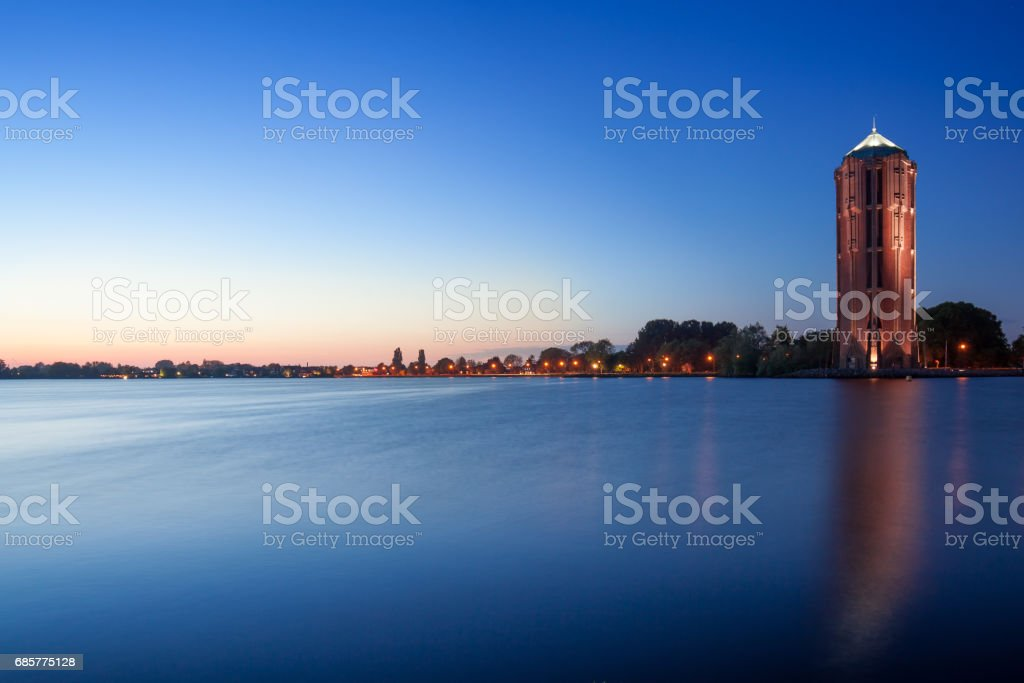 Water tower over lake background, Aalsmeer, Nord Holland photo libre de droits