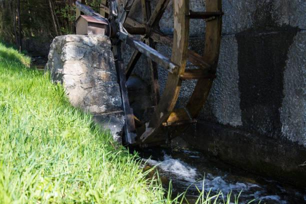 Wasser-Rad in der Nähe von Kramsach, Österreich