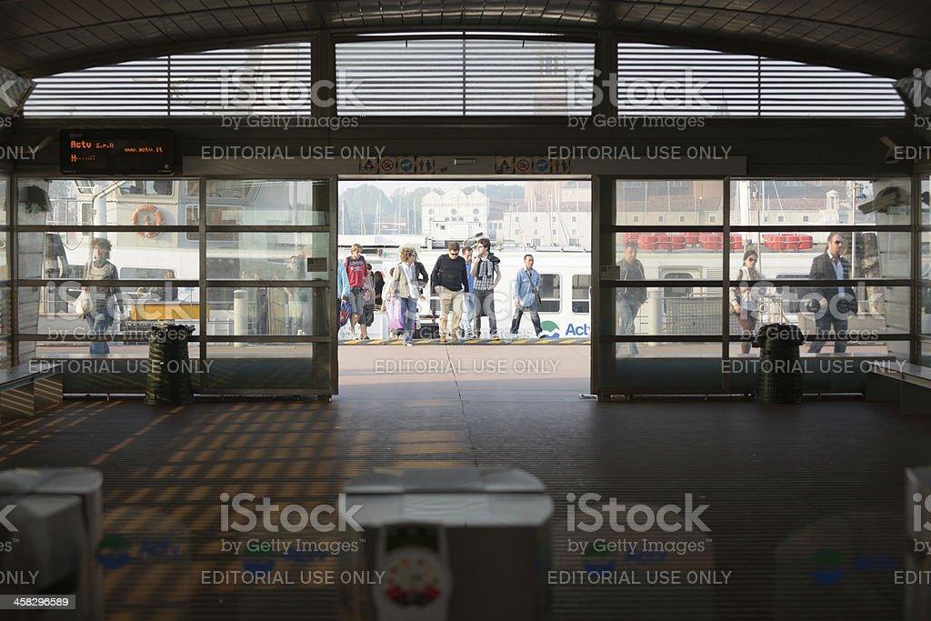 Gare de bateau - Photo