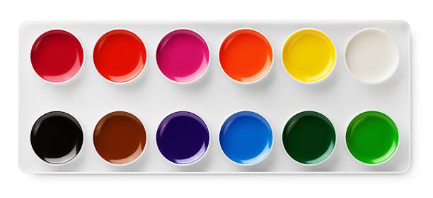 aquarell farben im karton, isoliert auf weiss - kunststoff behälter bemalen streichen stock-fotos und bilder