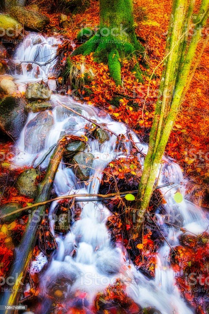 Vattenfall konst bildbanksfoto