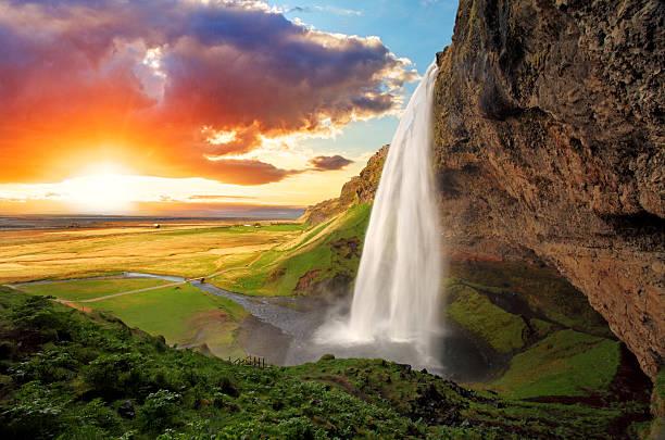 wodospad, islandia-seljalandsfoss - islandia zdjęcia i obrazy z banku zdjęć