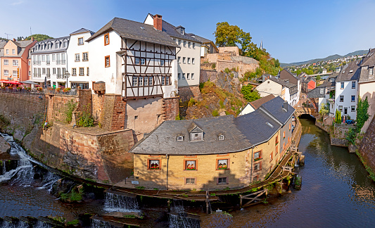 Single saarburg