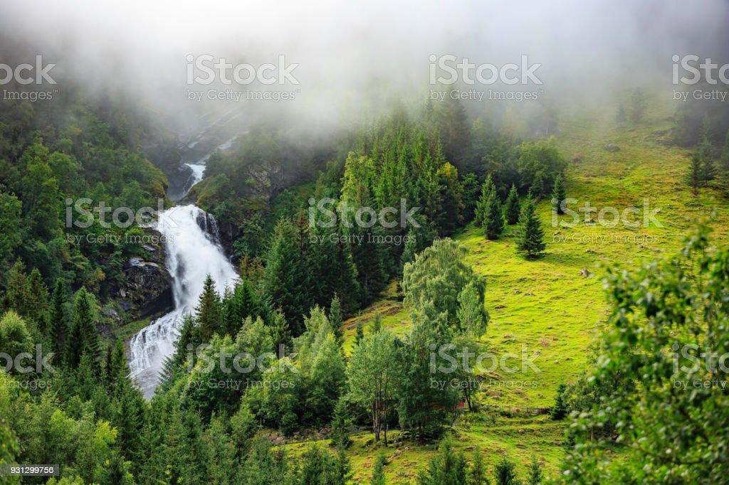 waterfall – zdjęcie