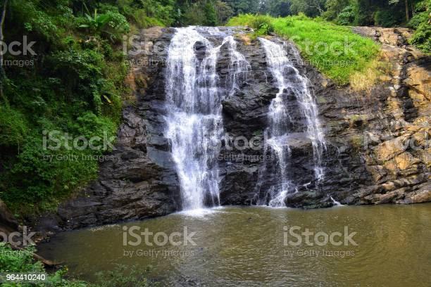 Foto de Cachoeira e mais fotos de stock de Beleza natural - Natureza