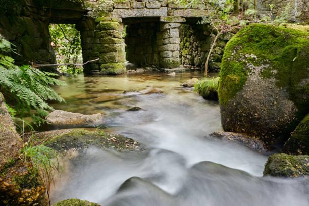 waterfall vizela river pontido - barragem portugal imagens e fotografias de stock