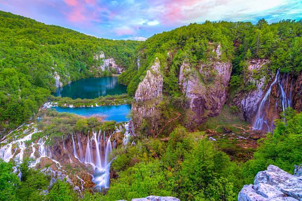 wasserfälle im nationalpark plitvicer - nationalpark plitvicer seen stock-fotos und bilder