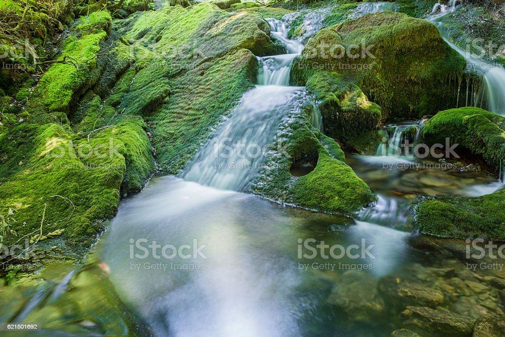 Wasserfälle in der Nähe der Quelle Zirauntza river, Alava (Spanien Lizenzfreies stock-foto