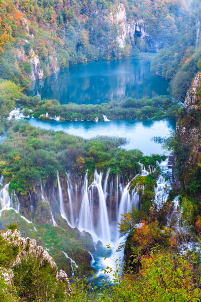 wasserfälle, nationalpark plitvice, kroatien - nationalpark plitvicer seen stock-fotos und bilder