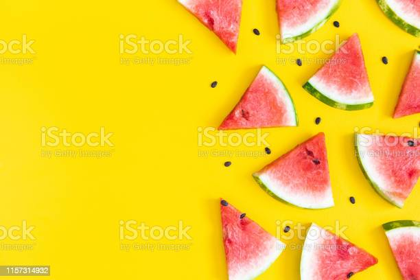Watermelon pattern red watermelon on yellow background summer concept picture id1157314932?b=1&k=6&m=1157314932&s=612x612&h=9qr yphhfcupmbrcv0dgzbtrdjt5zm1uyelio9ftawa=