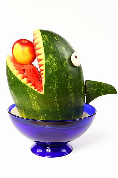wassermelonen shark - hai party lebensmittel stock-fotos und bilder