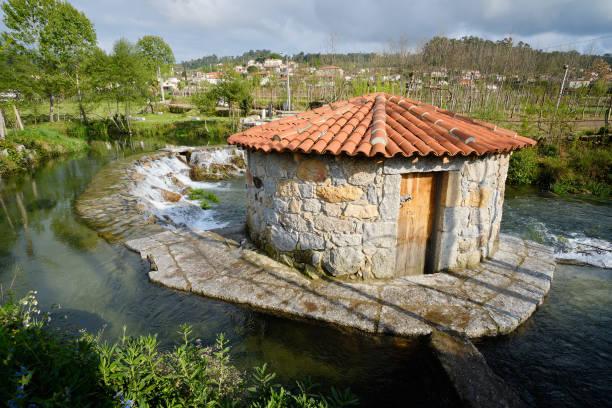 watermill, cepães fafe - fotos de barragem portugal imagens e fotografias de stock