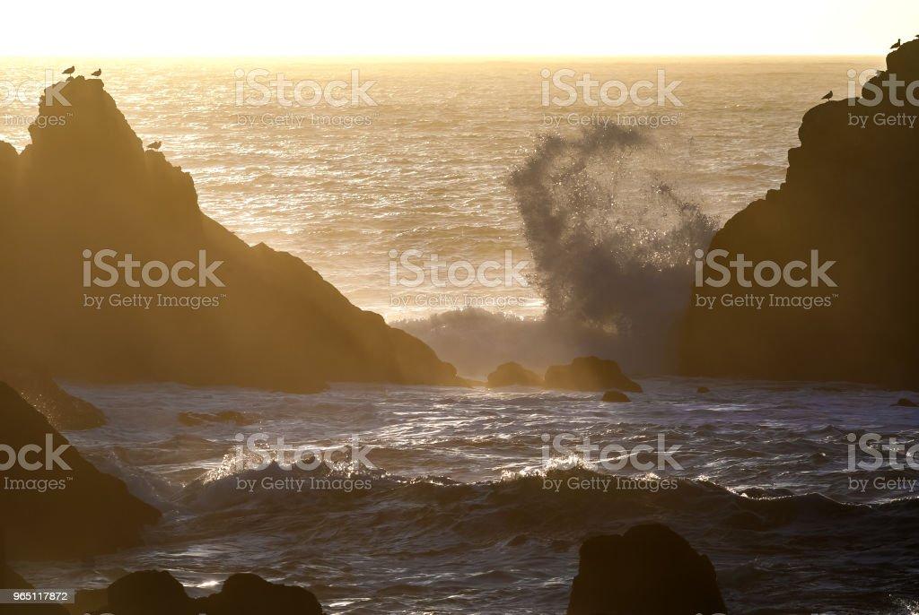 Waves crash on the San Francisco coast line zbiór zdjęć royalty-free