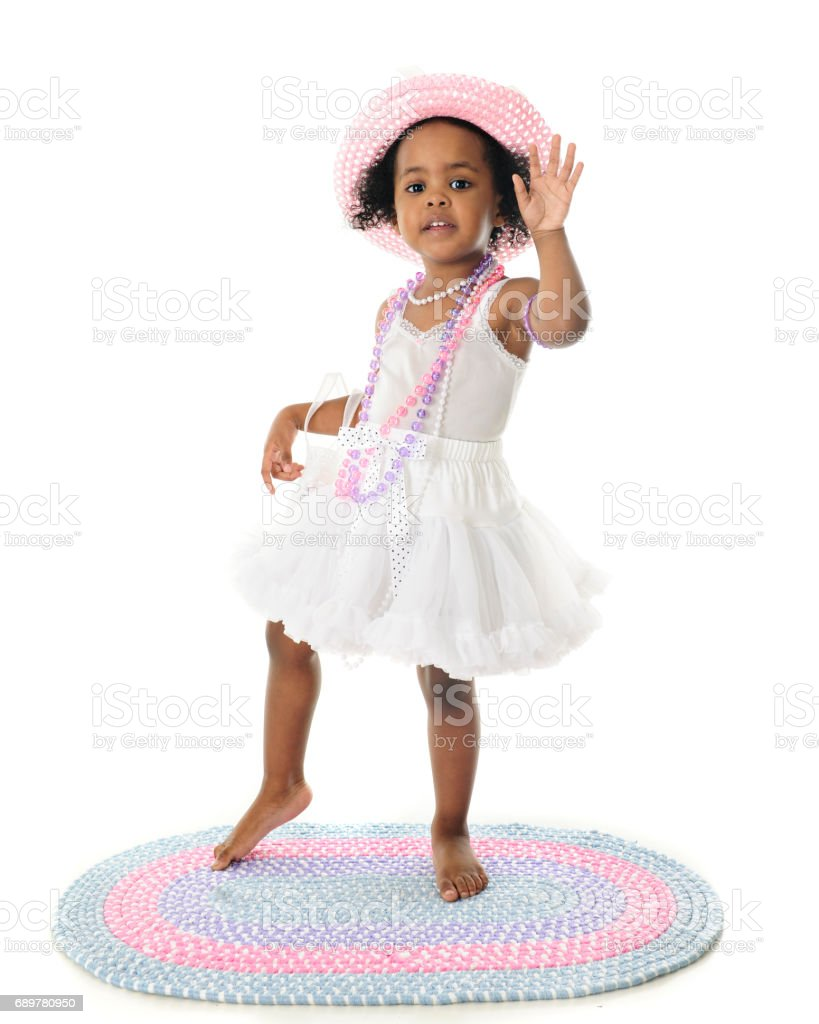 Waving in Her Petticoat – Foto