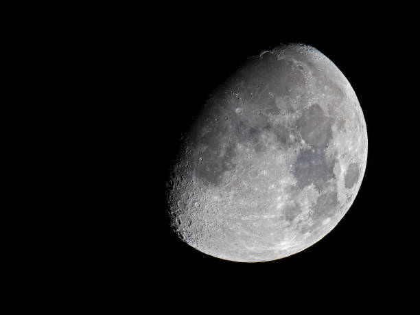 luna gibbous ceretta - luna gibbosa foto e immagini stock