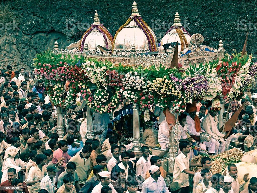 Wayfarers taking rest at heaths during Sant Dnyaneshwar Palakhi stock photo