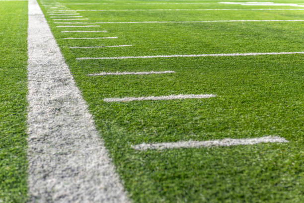 Ways to victory Typical yard line marks on American Football Field ncaa college football stock pictures, royalty-free photos & images