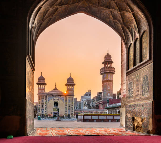 Wazir Khan Mosque Lahore Pakistan The Wazir Khan Mosque is considered to be the most ornately decorated Mughal-era mosque in Lahore, Pakistan lahore pakistan stock pictures, royalty-free photos & images