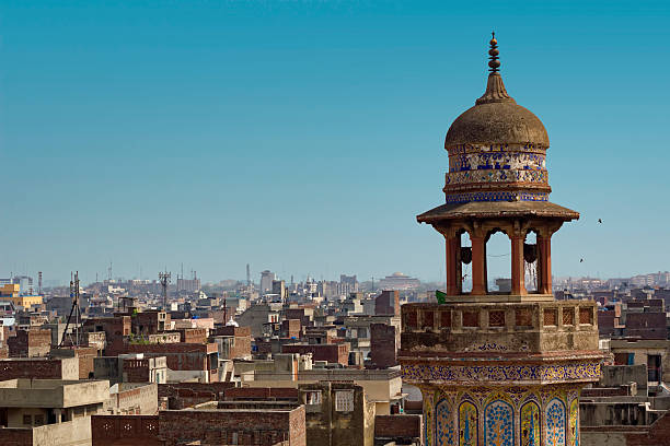 Wazir Khan Mosque Details of the beautiful Wazir Khan Mosque in the old city center of Lahore, Pakistan lahore pakistan stock pictures, royalty-free photos & images