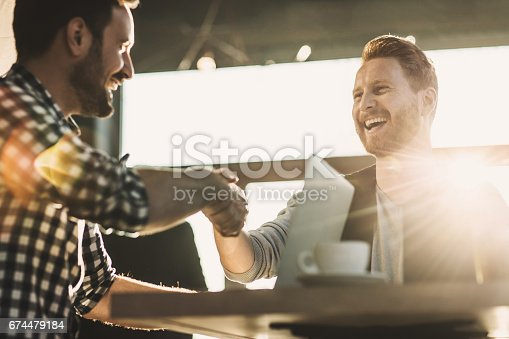 istock We have a deal! 674479184