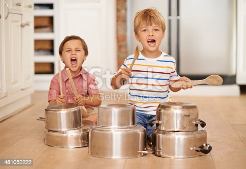 Two adorable young brothers using kitchen utensils as instrumentshttp://195.154.178.81/DATA/i_collage/pi/shoots/783660.jpg