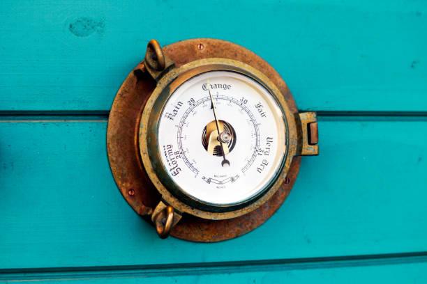vädret dial - barometer bildbanksfoton och bilder