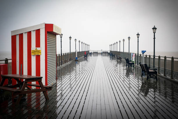 UK Wetter: Heavy Rain Skegness Promenade,UK – Foto