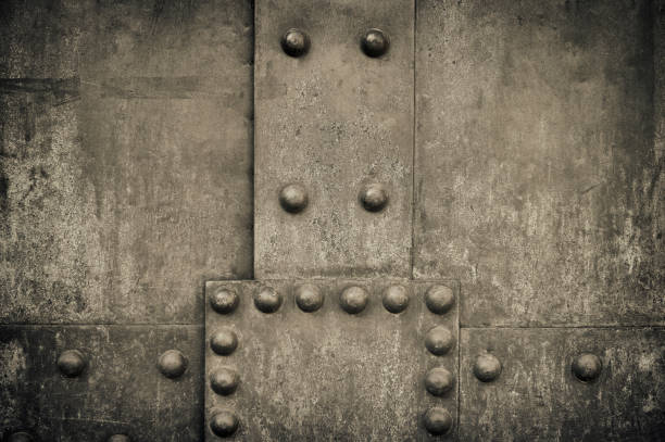 Verwitterte Metalloberfläche mit Nieten – Foto