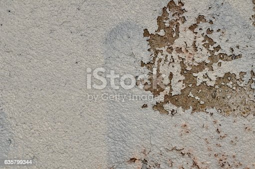 istock Weathered white paint 635799344