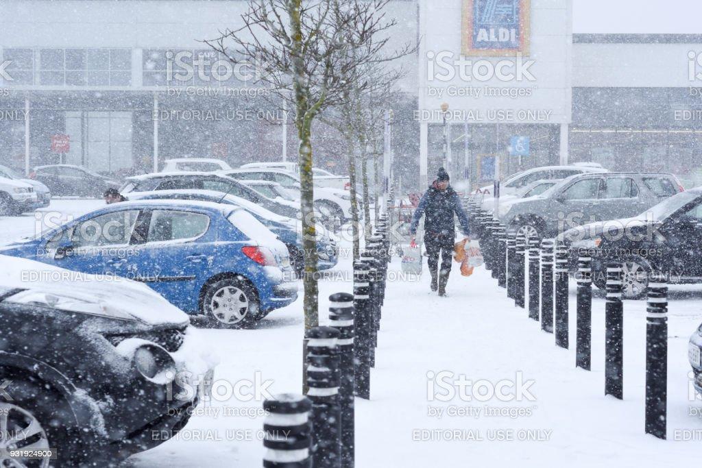 Tormenta Reino Unido tiempo: nieve en Mansfield, Reino Unido. - foto de stock