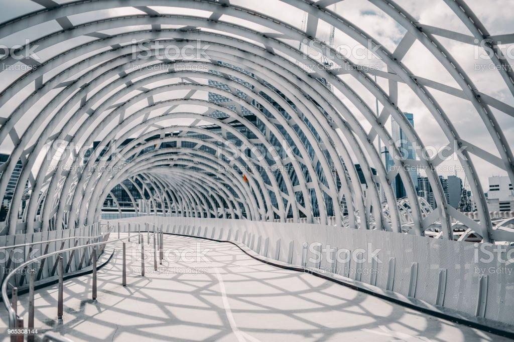 webb bridge , melbourne , australia with shadow cast on the ground zbiór zdjęć royalty-free