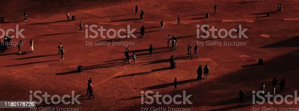 Website banner of people walking on square orange background picture id1180178726?b=1&k=6&m=1180178726&s=612x612&h=gajwcozc8hrljwj0uitztyn7eohdl0ygzpudr jyuhi=