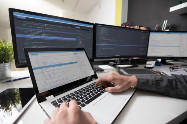 ウェブサイトの設計。プログラミングとコーディング技術を開発します。 ストックフォト