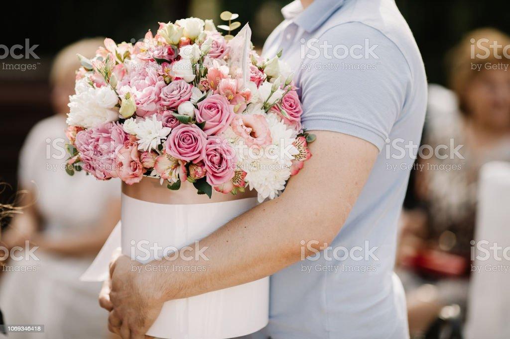 Photo Libre De Droit De Surprise Anniversaire De Mariage Le