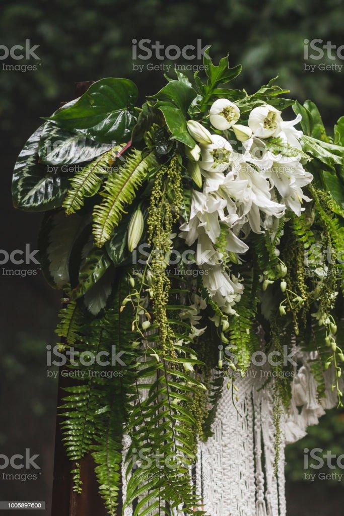 Photo De Stock De Mariage Décoration Arche De Fleurs Tropicales Et