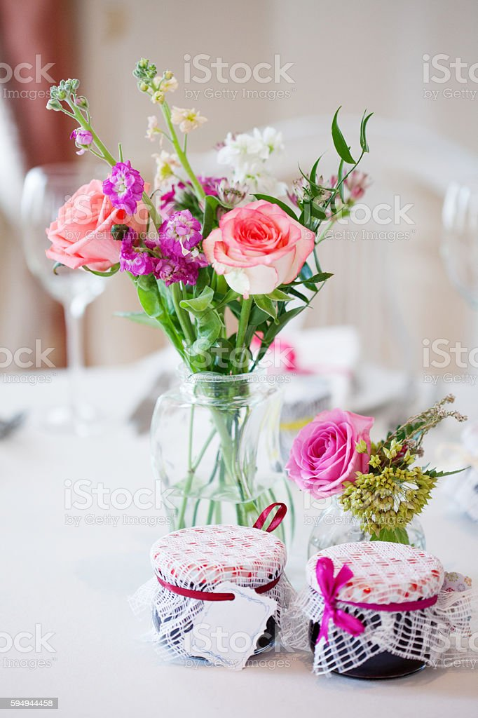 Wedding Banquet Small Restaurant Floral Decor In Red Informal Style Foto De Stock Y Mas Banco De Imagenes De Acontecimiento Istock
