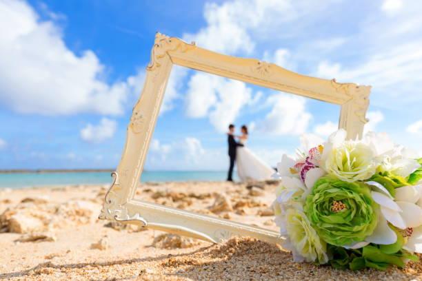 ビーチのウェディング - 結婚式 ストックフォトと画像