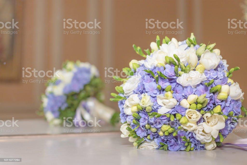 Hochzeit Bouquet Blumen Brautstrauss Schone Weisse Blauer Blumenstrauss