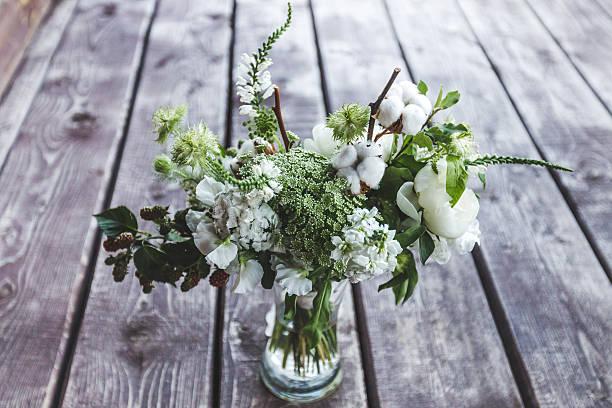 wedding bouquet in rustic style - brautstrauß aus holz stock-fotos und bilder