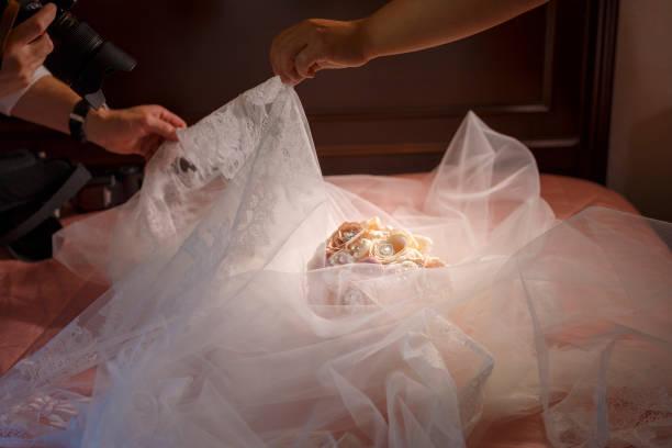 hochzeitsbouquet - wedding photography and videography stock-fotos und bilder