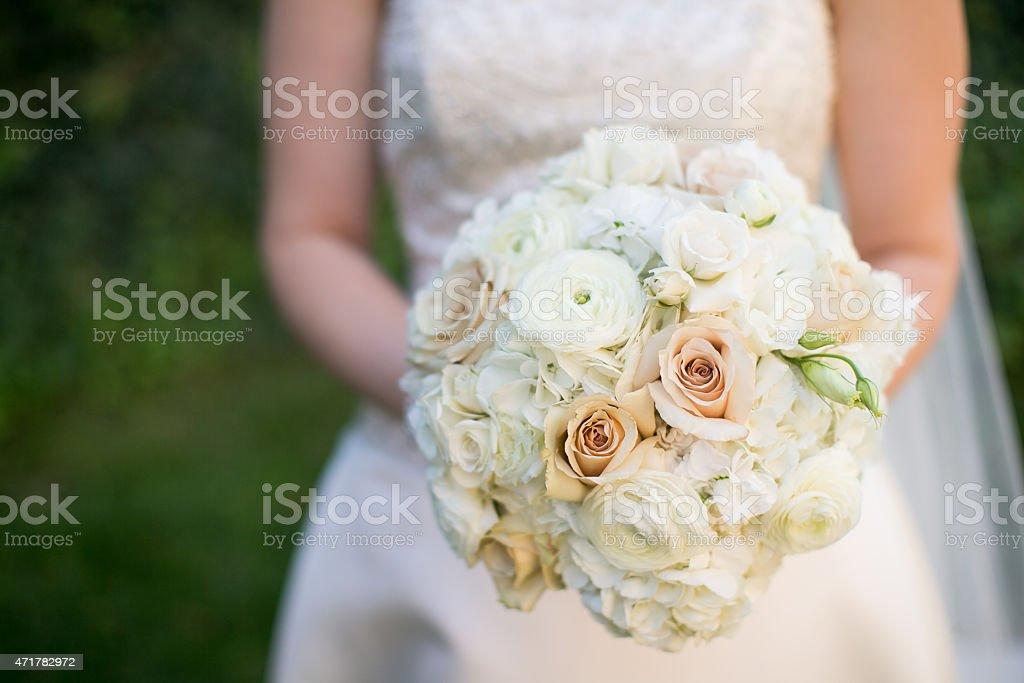 hochzeit bouquet mit ranunkel rosen und hortensie und. Black Bedroom Furniture Sets. Home Design Ideas