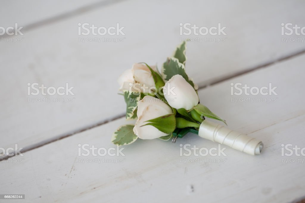 Wedding boutonniere of white orchids foto stock royalty-free