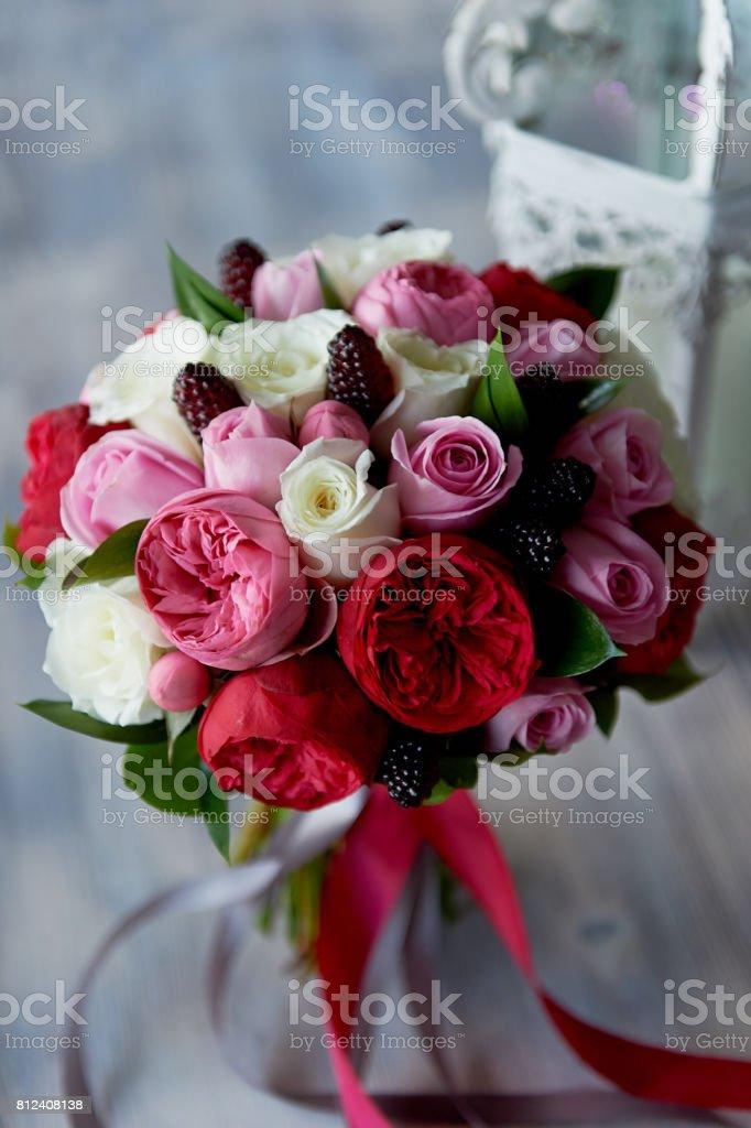 Hochzeit Brautstrauss In Rot Rosa Weiss Hochzeitsfloristik Hochzeit