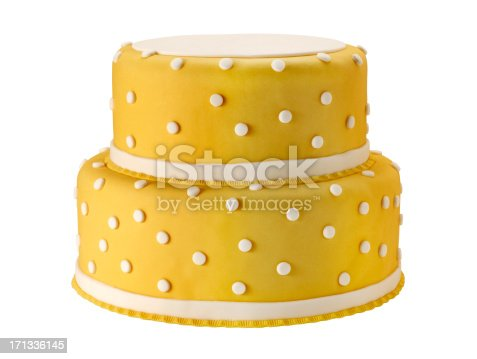 istock Wedding Cake +Clipping Path (Click for more) 171336145